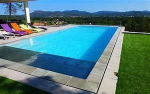 Belle piscine ronde semi enterrée de rêve