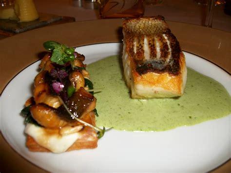 cuisiner un sandre filet de sandre et tarte flambée aux croûtons d anguille