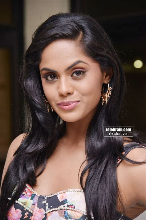 karthika cine actress karthika photo gallery telugu cinema actress