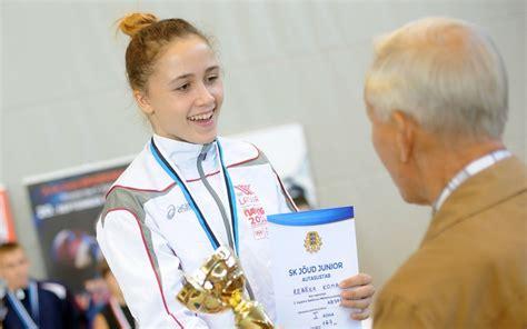 Svarcēlāja Rebeka Koha gadu noslēgs ar sacensībām Katarā - Spēka sports - Sportacentrs.com