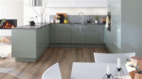 ouvrir sa cuisine aménagemer une cuisine ouverte en longueur pas cher