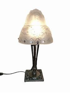 Lampe Art Deco : m ller fr res luneville lampe art d co en verre moul press xxe si cle ~ Teatrodelosmanantiales.com Idées de Décoration