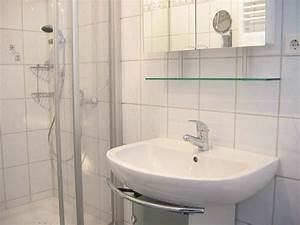 Waschbecken Kleines Badezimmer : bad waschbecken dachschr ge inspiration design raum und m bel f r ihre wohnkultur ~ Sanjose-hotels-ca.com Haus und Dekorationen