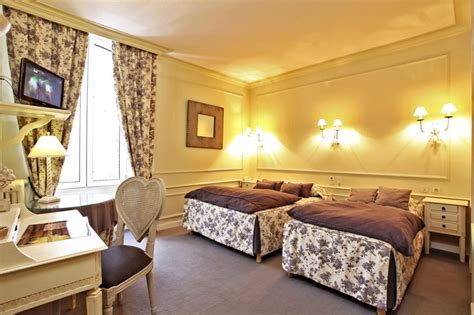 hotel chambre 4 personnes hotel 3 etoiles lot hotel restaurant rocamadour chambres