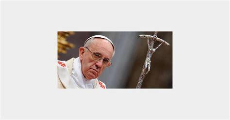 orgasme au bureau le pape françois attendu pour les 28e journées mondiales