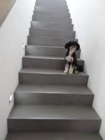 treppe fliesen die besten 17 ideen zu betontreppe auf treppen treppenhaus und treppen design