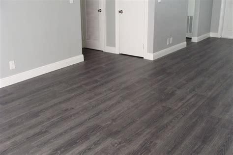 Laminate Tile Flooring For Bathroom by Laminate Floor Tiles Bathroom Lowes Flooring Laminate