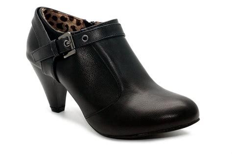 jual gb11 340 sepatu ankle boots ivory b12 15 black di lapak gan beli gan beliajagan