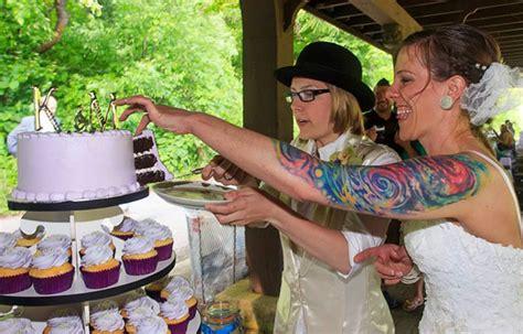 milwaukee wi  sex wedding cupcakes  bakery