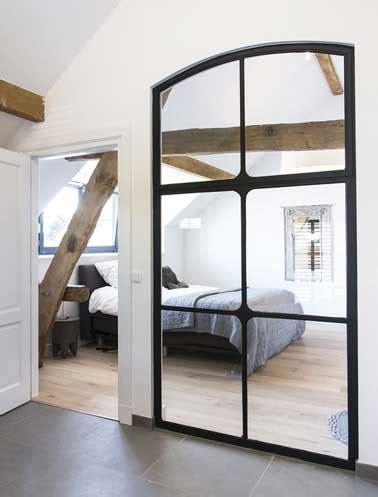 papier peint chambre parentale verrière intérieure dans chambre réalisée en miroirs