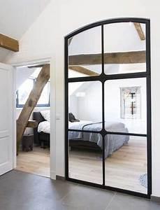 verriere interieure dans chambre realisee en miroirs With miroir dans une chambre