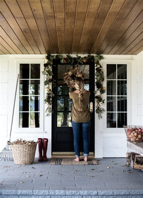 simple fall decorating ideas   front porch