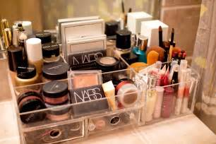 Vanity Desk With Mirror And Drawers by 23 Tremendous Makeup Organizer Ideas Slodive
