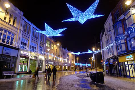 photos of cardiff christmas lights in castle street st