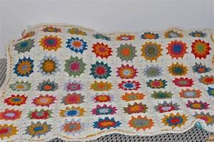 Granny Squares Muster : chez meloni granny square babydecke ~ A.2002-acura-tl-radio.info Haus und Dekorationen