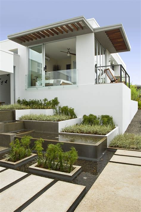 chic minimal   garden planting pinterest minimal gardens  architecture