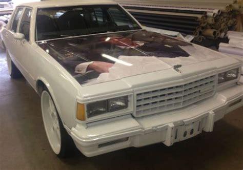 sell   chevrolet caprice classic sedan  door