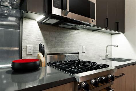 plan de travail mural cuisine recouvrir carrelage cuisine plan de travail dcoration