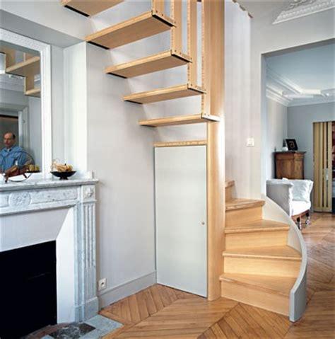 escalier vide et plein de haut en bas maison travaux