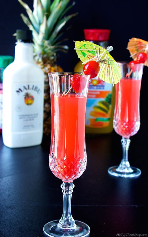 These malibu rum drinks taste just like the beach and are perfect for sipping when it gets warm. Malibu Sunset - HOLLY'S CHEAT DAY
