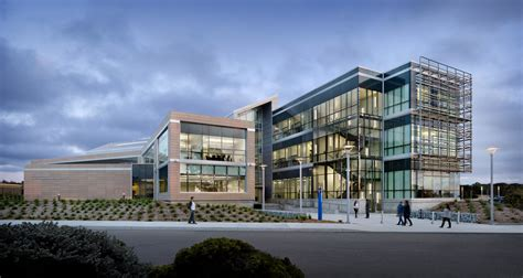CSUMB Business & Information Technology Building
