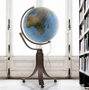 Globe Terrestre Bois : globe terrestre un objet d coratif authentique ~ Teatrodelosmanantiales.com Idées de Décoration