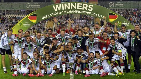 Was ist der fussball kongress? Weltmeister feiern unsere Bubis: U19 gewinnt ...