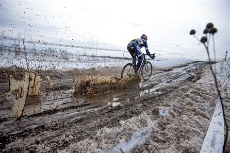 wallpaper winter vehicle mud cycling downhill