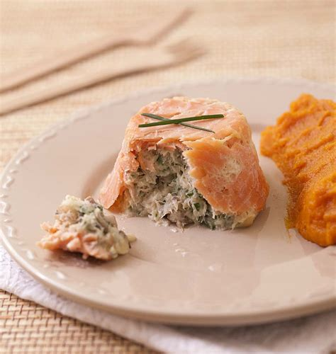 terrines de saumon fumé au poisson blanc chignons et