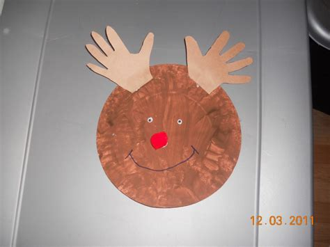 25 days of crafts day 6 paper plate rudolph 298 | DSCN0842 1024x768