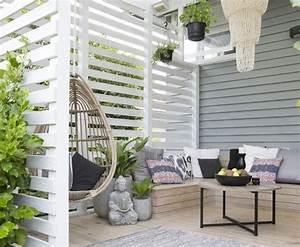 341 best terrasse images on pinterest With tapis champ de fleurs avec canapé d angle marron et blanc