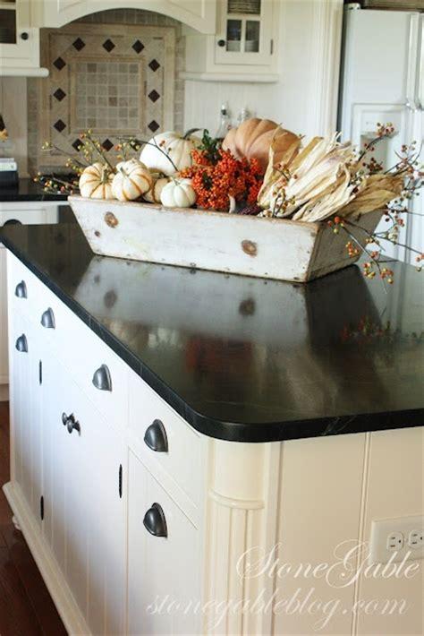 kitchen island centerpieces 37 cool fall kitchen d 233 cor ideas digsdigs 1862