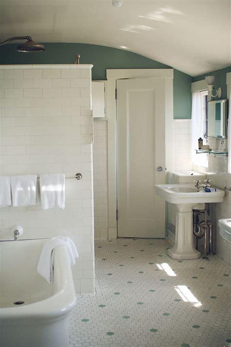 school bathroom  sthis  kind