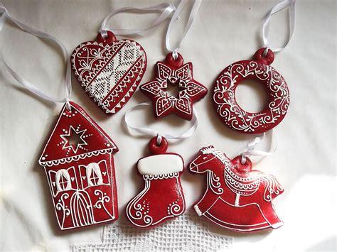 Weihnachtsdeko Noch Mehr Christbaumkugeln by 6 Rote Lebkuchen Weihnachten H 228 Ngende Cookieartlondon