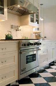 Small kitchen tile backsplash white ideas pictures kitchen for Small white tile backsplash