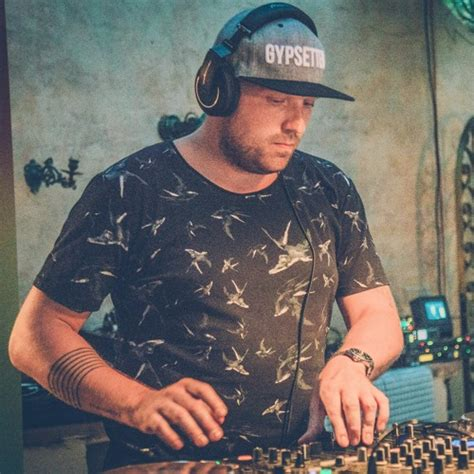 As a chef and entrepreneur he knows exactly what he wants though there is a certain inner struggle to determine when he will start to push the boundaries at the jane, antwerp. Studio Ibiza: Nick Bril by Studio Brussel   Free Listening on SoundCloud