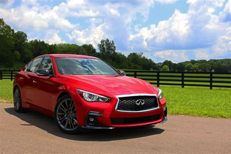 pricing features  review    infiniti