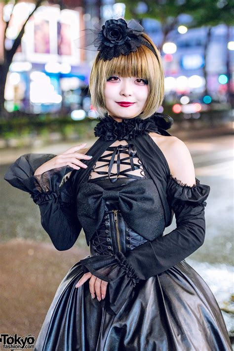japanese gothic lolita street style  harajuku