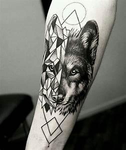 Loup Tatouage Signification : ponad 25 najlepszych pomys w na pintere cie na temat tatua e z wilkiem wolf tattoo design ~ Dallasstarsshop.com Idées de Décoration