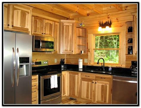 lowes hickory kitchen cabinets 1000 ideas about hickory kitchen cabinets on 7215