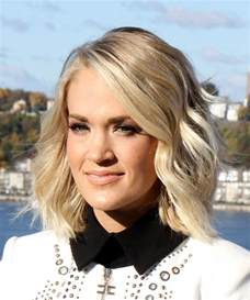 Carrie Underwood Hairstyle 2017
