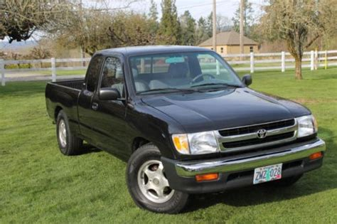 1998 Toyota Tacoma Mpg by Purchase Used 1998 Toyota Tacoma 2wd Xtracab Low