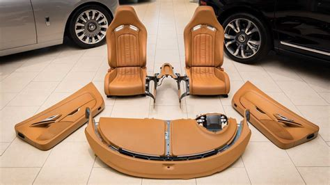 The supercar set another world speed record for the brand. $150,000 buys a Bugatti Veyron's complete interior