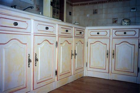 repeindre porte de cuisine peinture pour repeindre meuble 5 relooking meubles de cuisine et plan de travail luc evtod
