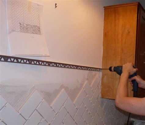 finishing tile  metal edging dans le lakehouse