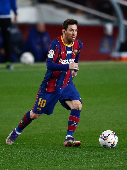 Messi equals Pele's record of goals for a single club