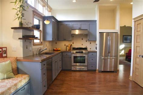 what color should you paint your kitchen 20 amazingly stylish painted kitchen cabinets 9841