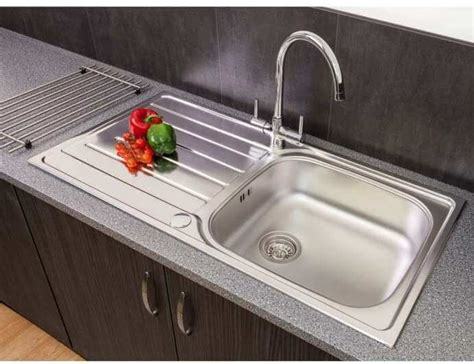reginox kitchen sink kitchen sinks plumbworld 1819