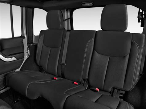 jeep wrangler backseat image 2013 jeep wrangler unlimited 4wd 4 door rubicon