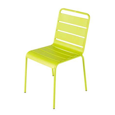 chaise de jardin en metal verte batignolles maisons du monde